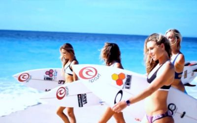 The_Girls_of_Surfing_X_01
