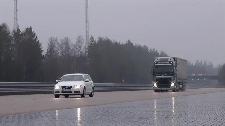 Lastwagen-Extrem-Notbremsen