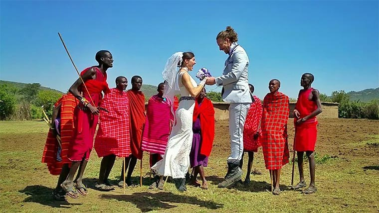 In 83 Tagen an 38 Orten weltweit heiraten Wedding-around-the-world_03