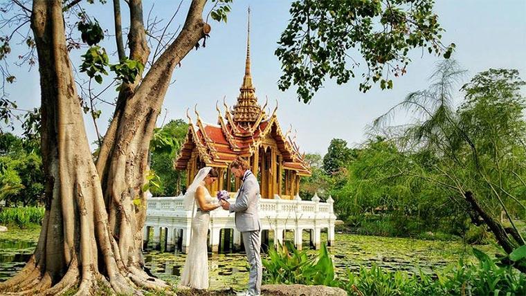 In 83 Tagen an 38 Orten weltweit heiraten Wedding-around-the-world_07