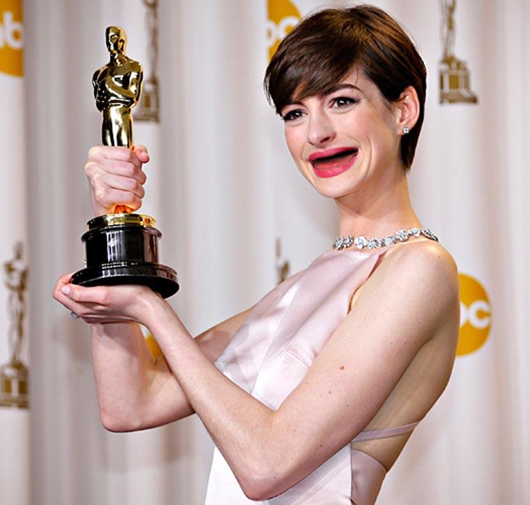 Scary: Schauspielerinnen ohne Zähne