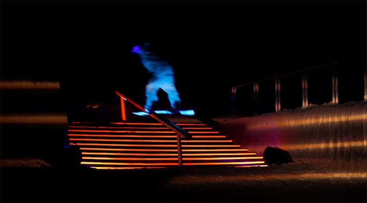 Snowboarden im Licht der LEDs