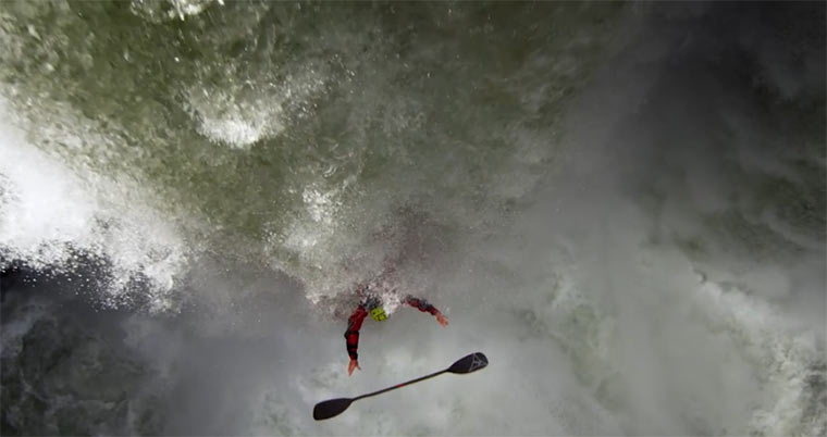 Mit dem Kanu mexikanische Wasserfälle hinunter: Cascada