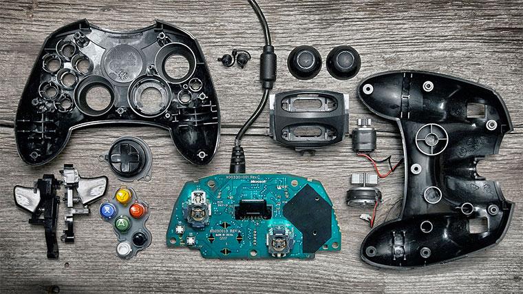 sezierte Videospielcontroller