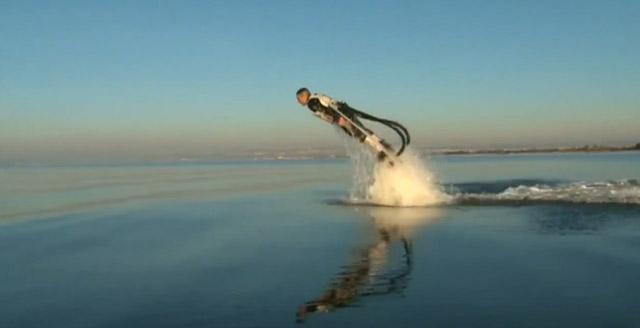 Der Delphin-Jetpack