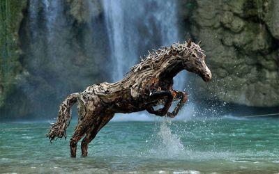 drivewood-horses_01