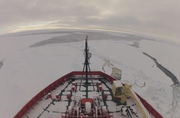 Timelapse: mit dem Eisbrecher durch die Antarktis