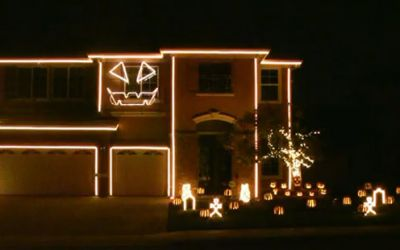 halloween_light_house