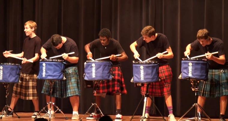 Geniale Show: Hot Scots Drum Line