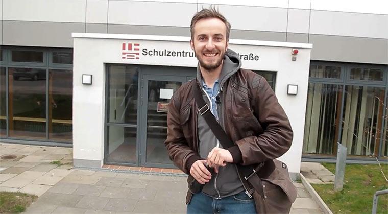 Jan Böhmermann als Vertretungslehrer