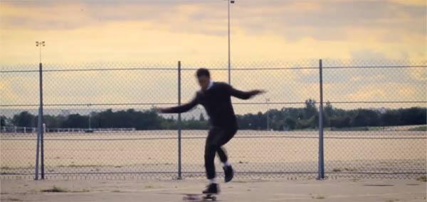Werbe-Skate-Pirouetten von Kilian Martin