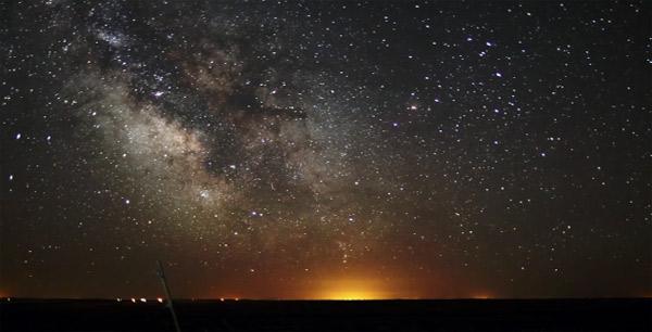 Timelapse²: Milchstraße und Erddrehung