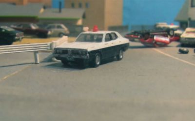 miniature_car_chase