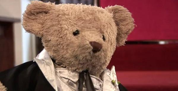 Misery Bear heiratet