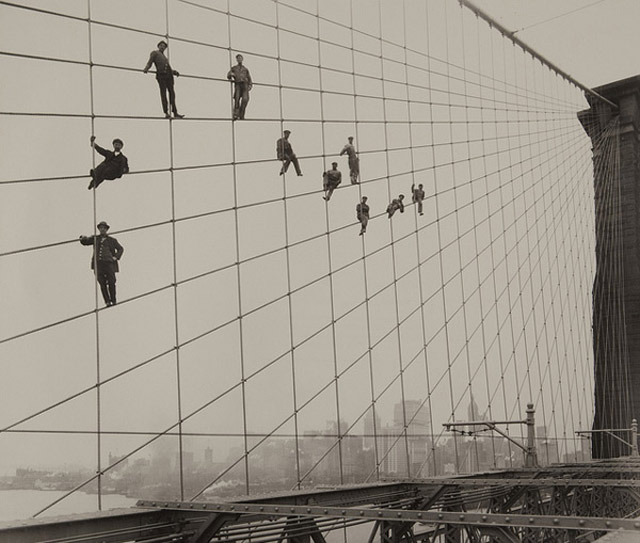 1914: Brooklyn Bridge erhält neuen Anstrich