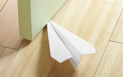 papierfliegertuerstopper