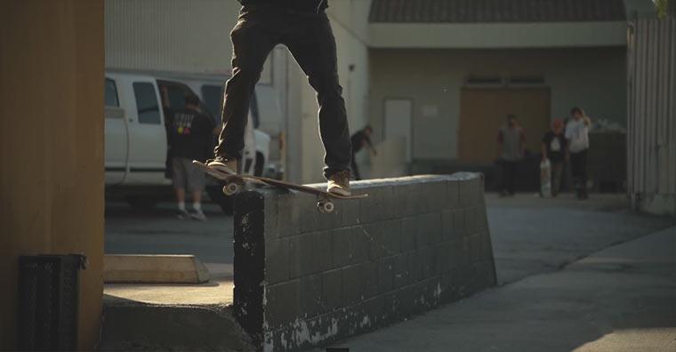 Superstylisches Slowmotion-Skateboarding