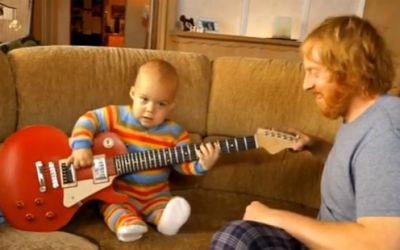 rocking_guitar_baby