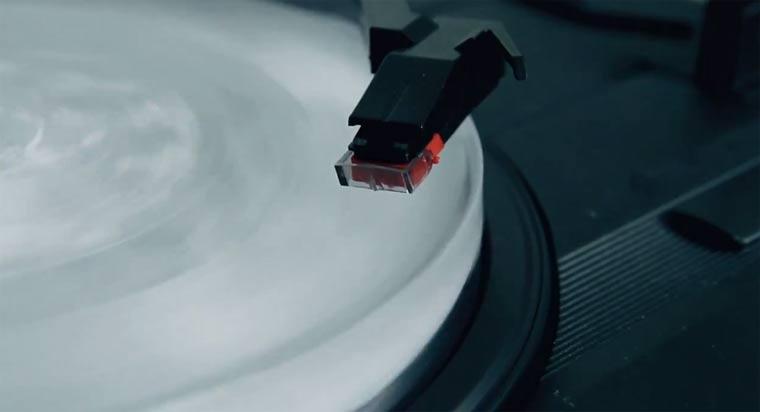 Shout Out Louds veröffentlichen Schallplatte aus Eis
