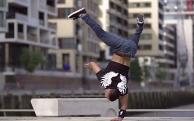 slowmotion_breakdancer