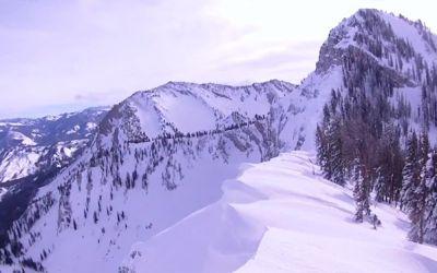 snowmobile_near_cliff