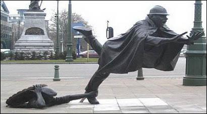 Kranke Statuen