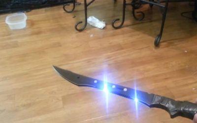 taser_sword