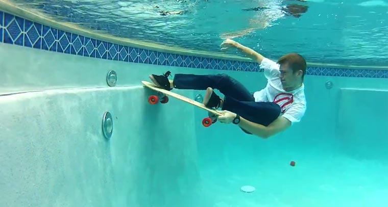 Unterwasser-Skateboarden