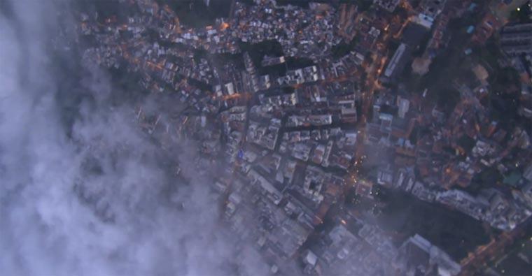 Mit dem Wingsuit über Rio