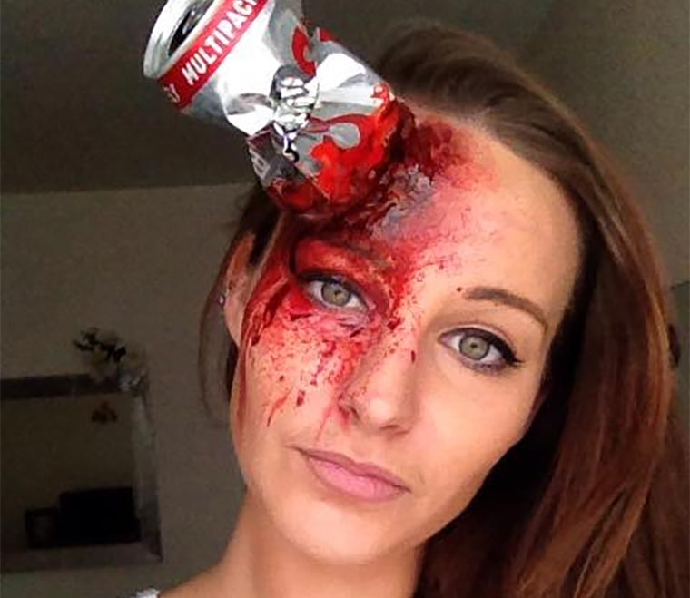 Erschreckend realistisches Horror-Make-Up AGC.SFX_01