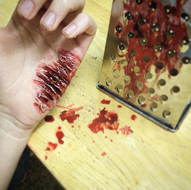 Erschreckend realistisches Horror-Make-Up AGC.SFX_09