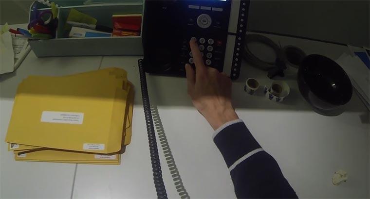 Büro-Arbeit als Action-POV-Clip Boring-office
