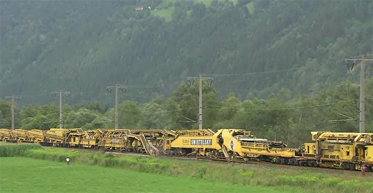 So werden Eisenbahnschienen verlegt RU-800_S_Bahn