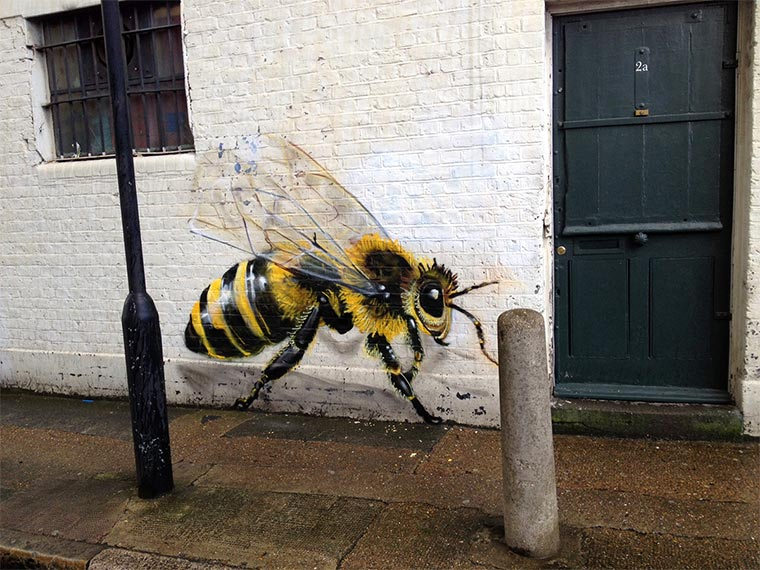 Bienen Street Art Save-The-Bees_04