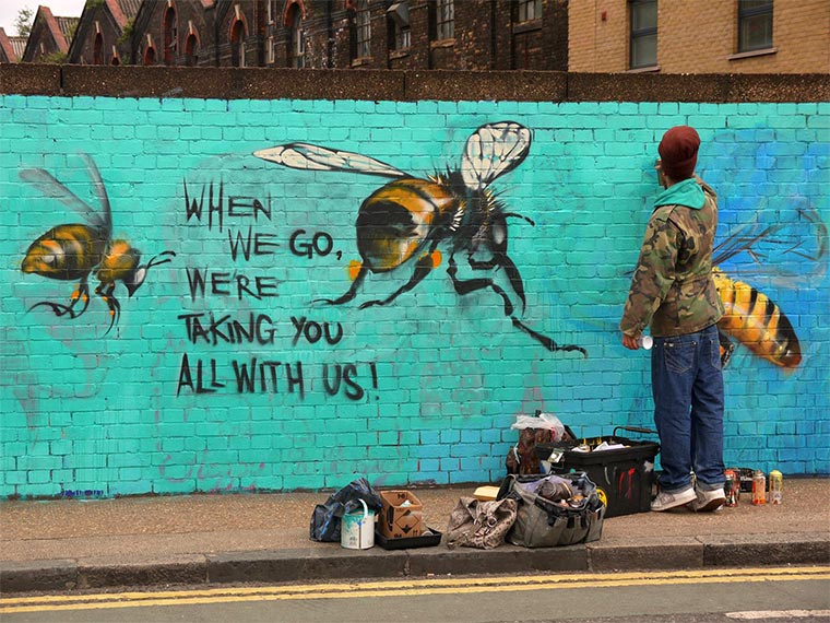 Bienen Street Art Save-The-Bees_07