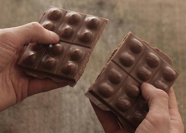Titses: Schokolade mit Brüsten Titses_06
