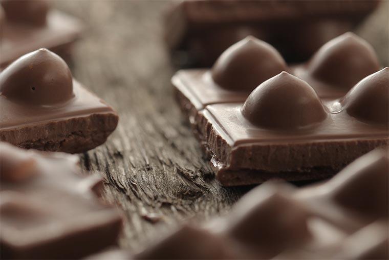 Titses: Schokolade mit Brüsten Titses_08