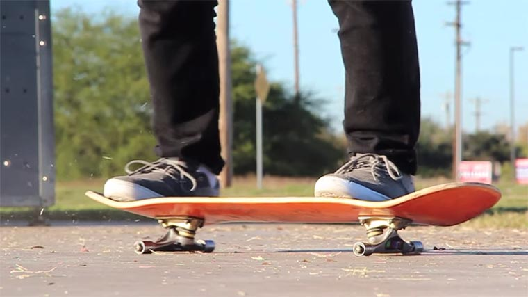 Skateboarden auf Kugellagern no-wheels-skateboarding