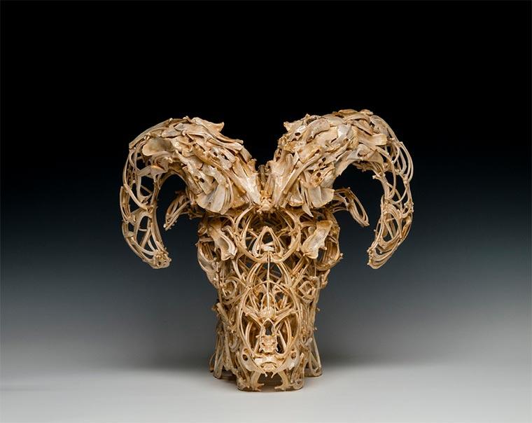 Skulpturen aus Tierknochen knochenskulpturen_03