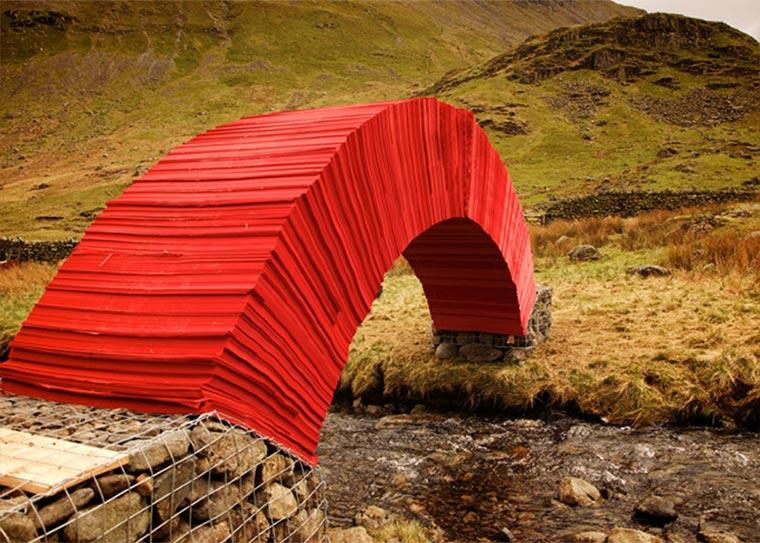 Brücke aus 22.000 Blatt Papier paper-bridge_02