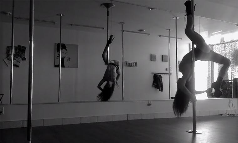 Pole-Dancing in Slowmotion slowmotion-pole-dancing