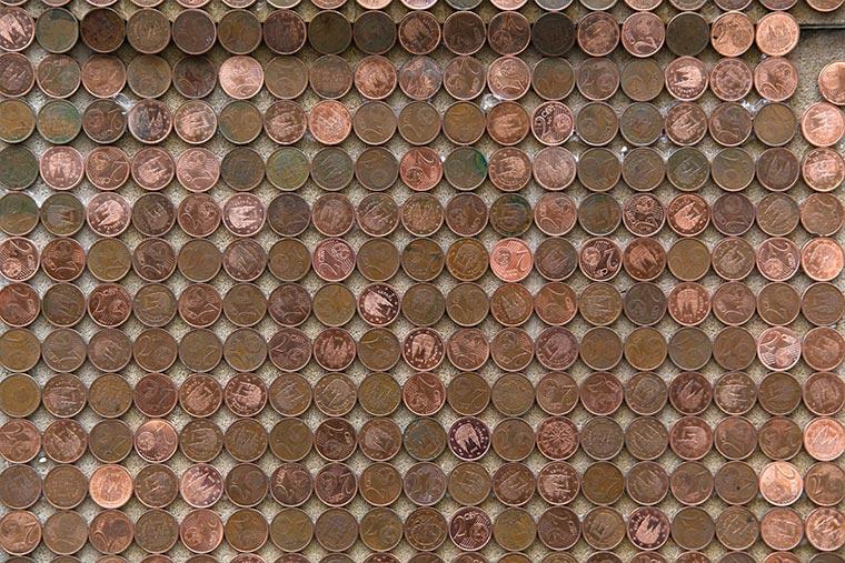 CRISIS: Kleingeld-Installation zum Mitnehmen CRISIS_07