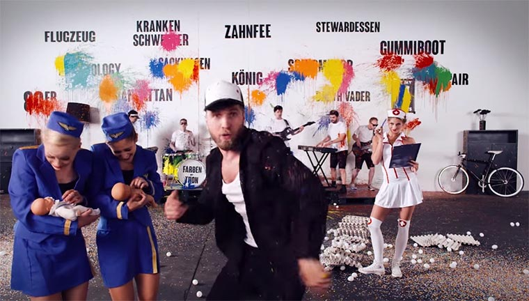 Rückwärts gedrehtes One-Take-Musikvideo