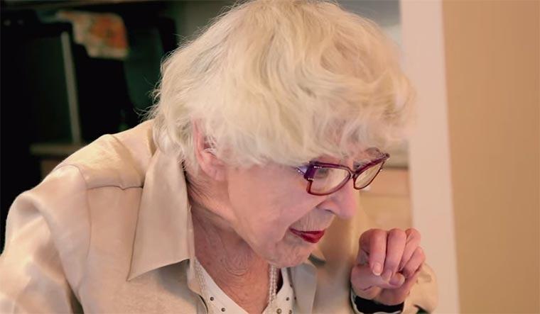 Wenn Senioren auf dieses Internet treffen Cyber-seniors