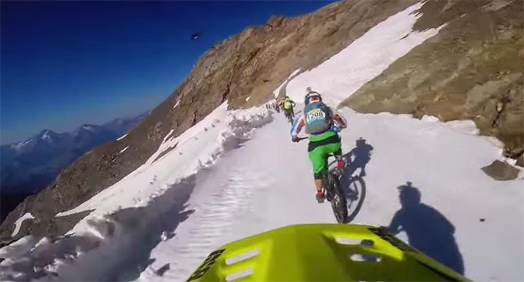 Krasses Mountainbike-Rennen im Schnee Megavalanche