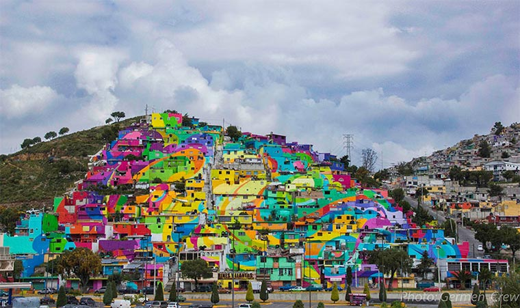 Mural über 209 Hausfassaden hinweg Plamitas_01