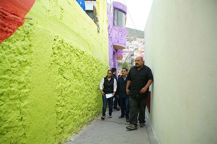 Mural über 209 Hausfassaden hinweg Plamitas_05
