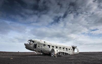 Powerful-Iceland_01