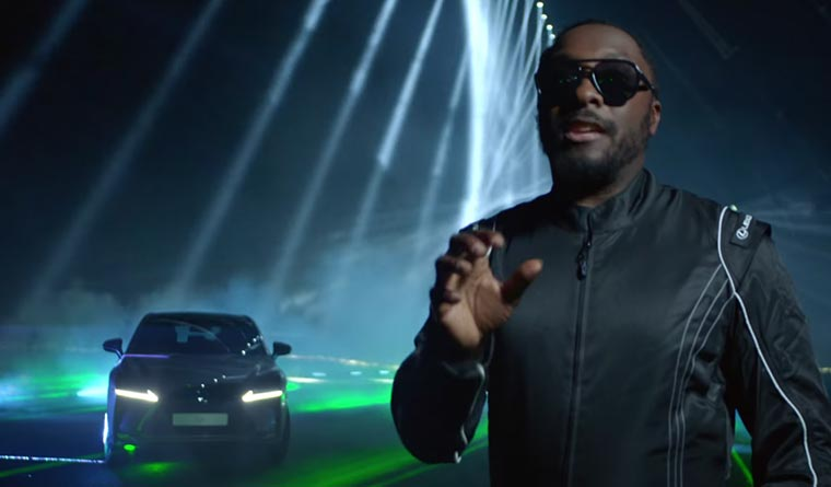 will.i.am spielt Guitar Hero mit Autos lexus_will-i-am_01