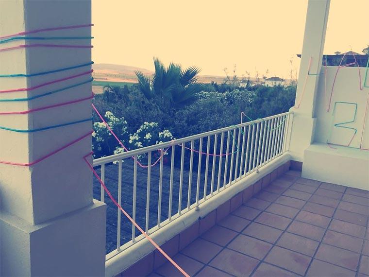 50-Meter-Strohhalm ums ganze Haus 50-meter-straw_03